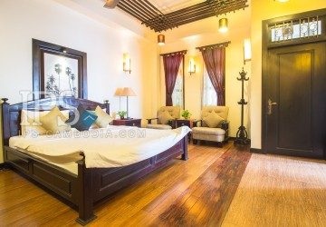 2 Bedrooms Apartment For Rent in Daun Penh  thumbnail