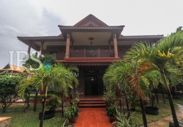 6 Bedroom Wooden Style Villa For Sale - Kouk Chak, Siem Reap