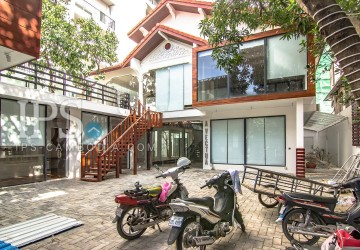Commercial Villa for Rent - BKK1