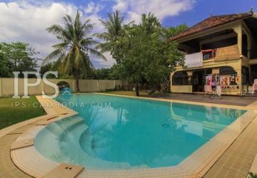 3 Bedrooms Tropical Villa For Sale - Svay Dangkum, Siem Reap