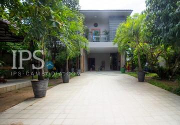 4 Bedrooms Villa For Rent - Beoung Tumpun, Phnom Penh