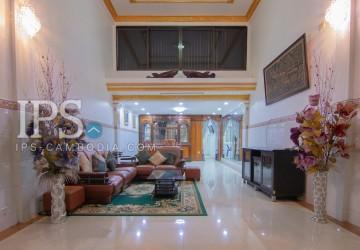 2 Bedrooms House For Rent - Boeung Tumpun, Phnom Penh