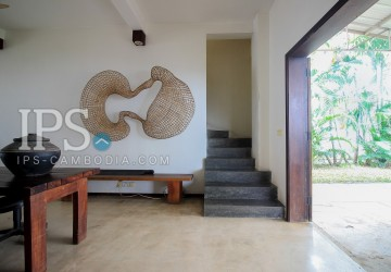 4 Bedroom Commercial  Villa For Rent - BKK 3, Phnom Penh thumbnail