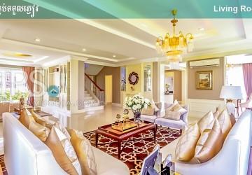 5 Bedroom Villa for Sale - Chbar Ampov