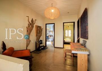 4 Bedrooms Villa For Sale - BKK3, Phnom Penh