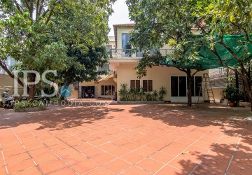 8 Bedrooms Villa For Rent - BKK1, Phnom Penh