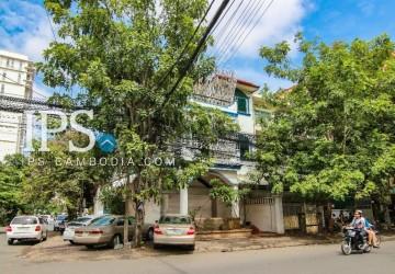 Corner Commercial Villa For Rent - Tonle Bassac