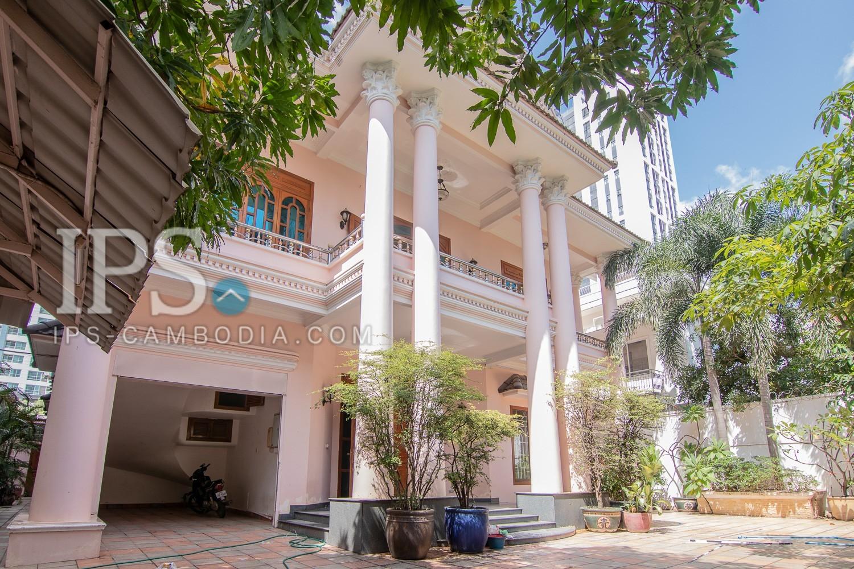 6 Bedroom Villa For Sale in  BKK1, Phnom Penh