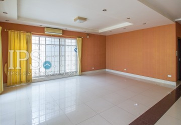 3 Bedroom Villa For Sale - Phsar Daeum Thkov, Phnom Penh