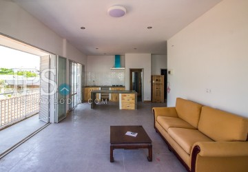 3 Bedroom Flat For Sale - Chakto Mukh, Phnom Penh