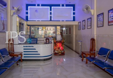 3 Bedroom Shophouse For Sale - Teuk La Ark 2, Phnom Penh