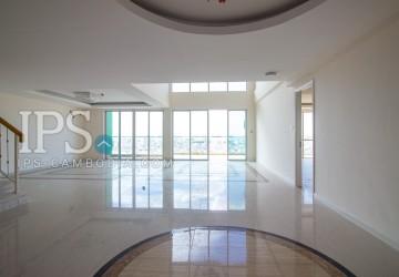 3 Bedroom Duplex Condo Unit For Sale - Khan 7 Makara, Phnom Penh