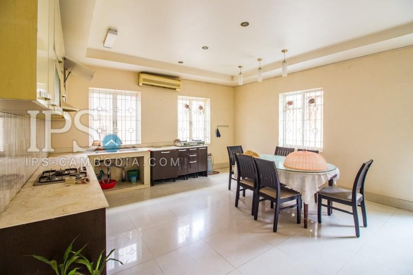 3 Bedroom Villa For Sale - Phsar Daeum Thkov, Phnom Penh