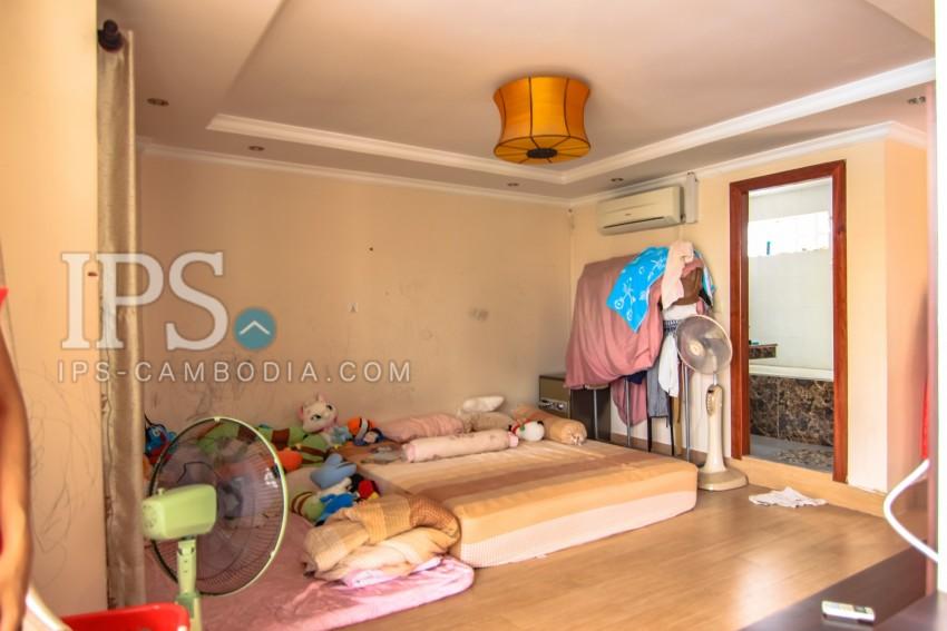5 Bedrooms Townhouse For Rent - Wat Phnom