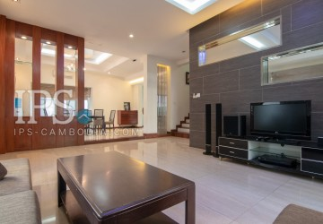 3 Bedroom Villa  For Sale - Tonle Bassac, Phnom Penh