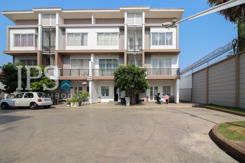 3 Bedroom Townhouse For Sale - Boeung Tumpun