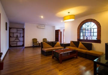 3 Bedrooms Penthouse For Rent - Daun Penh, Phnom Penh