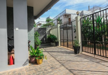 2 Bedroom Apartment For Rent - Sala Kamreuk, Siem Reap thumbnail