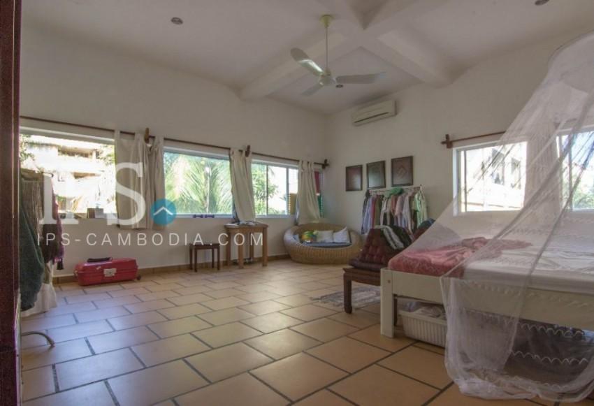 6 Bedroom Villa For Sale   Boeung Tumpun