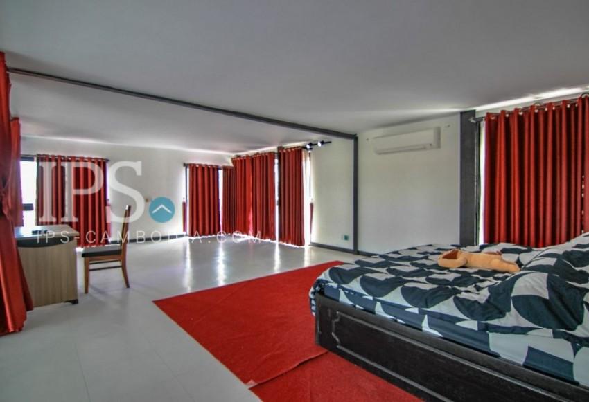 3 Bedroom Duplex Apartment for Rent - Wat Phnom
