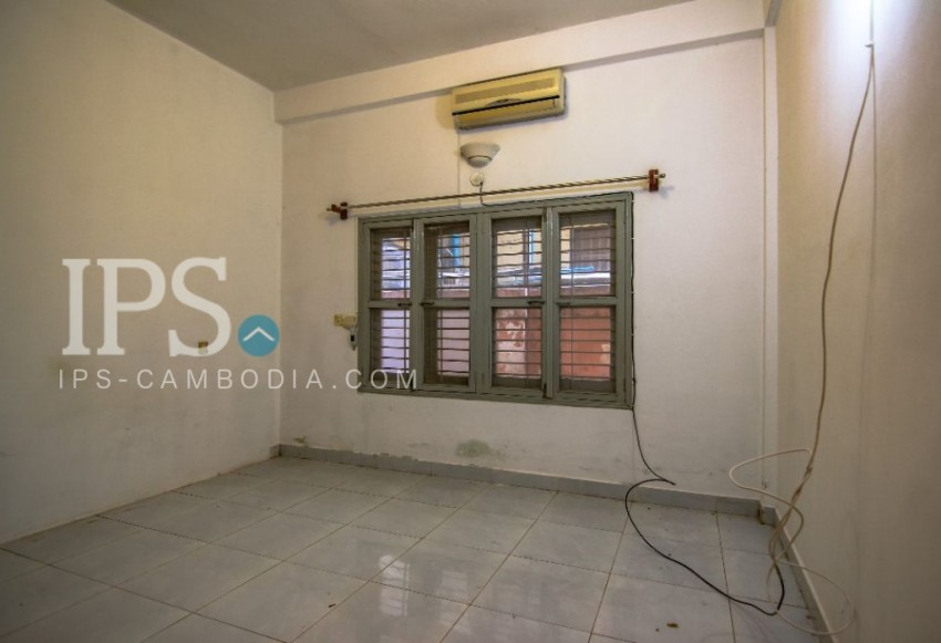 Commercial Villa for Rent in 7 Makara - 6 Bedrooms