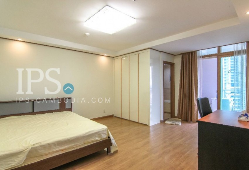 DeCastle Royal - 2 Bedroom Apartment For Sale