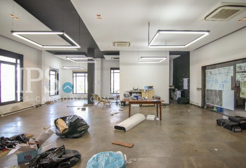 Wat Phnom Commercial Office Space for Rent - 256 sqm.