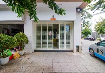 4 Bedroom Shophouse For Sale - Peng Hout, Phnom Penh