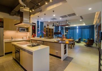 4 Bedrooms Penthouse For Rent - Daun Penh, Phnom Penh