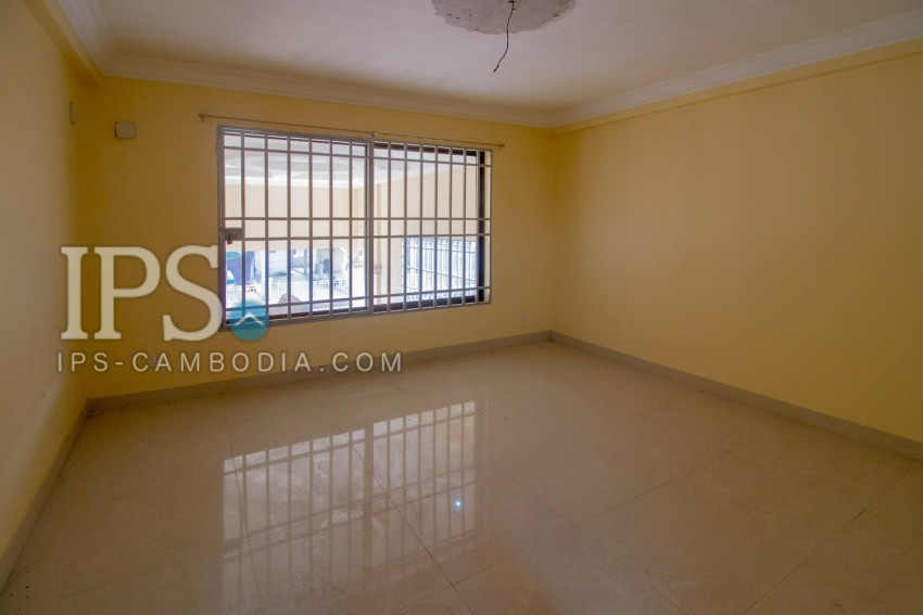5 Bedroom Villa For Sale - Khan Por Sen Chey, Phnom Penh