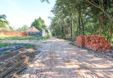 2417 sq.m. Land for Sale with Hard Title - Wat Krom Area, Sihanoukville