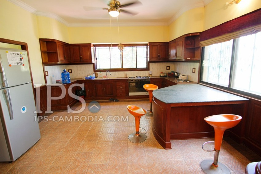 Villa for Rent in Phnom Penh - Four Bedrooms in Chroy Changvar