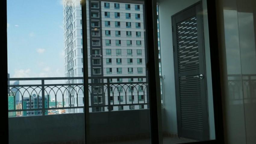 DeCastle Royal - Huge Three Bedroom Condominium for Sale
