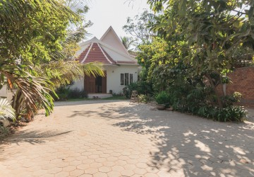 4 Bedroom Villa For Rent - Sala Kamreuk, Siem Reap