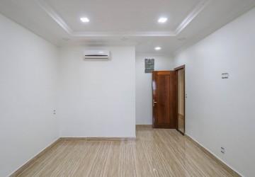 3 Bedroom Apartment For Rent - Sangkat Pir, Sihanoukville