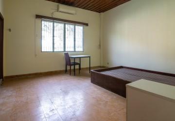 6 Bedroom Commercial Villa For Rent - Boeung Trabek, Phnom Penh thumbnail