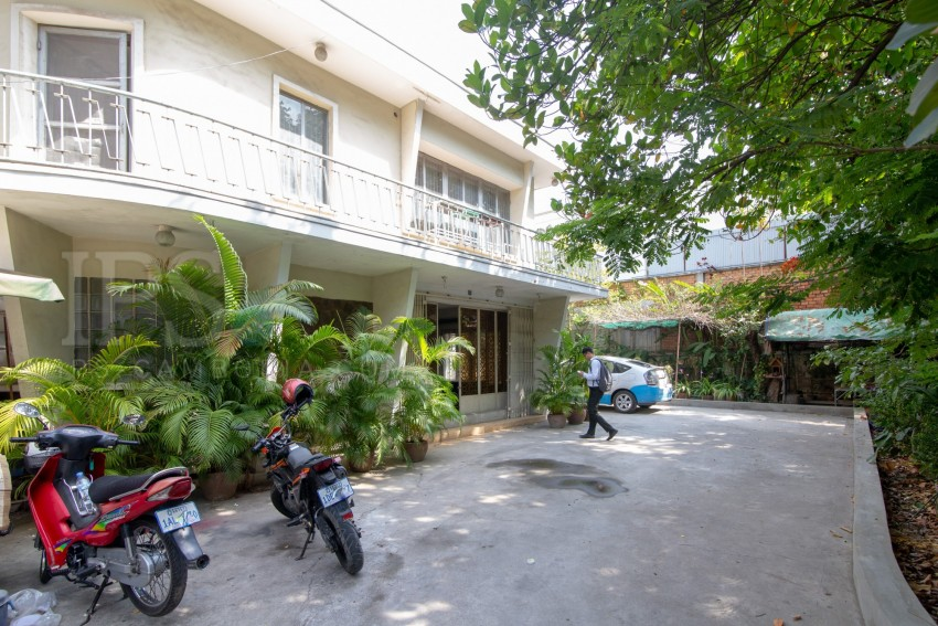 6 Bedroom Commercial Villa For Rent - Boeung Trabek, Phnom Penh
