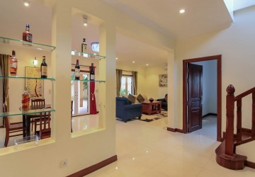 4 Bedroom Villa For Sale - Svay Dangkum, Siem Reap thumbnail