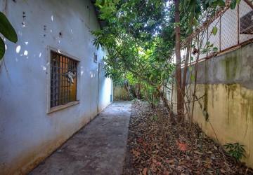 House and Land For Sale - Phsar Daeum Thkov, Phnom Penh thumbnail