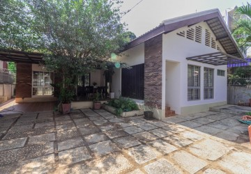 2 Bedroom Villa For Rent - Slor Kram, Siem Reap