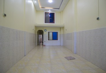 10 Bedroom Townhouse For Rent - Toul Kork, Phnom Penh