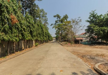 7,541 sq.m. Land  For Sale - Great Location! Wat Damnak, Siem Reap