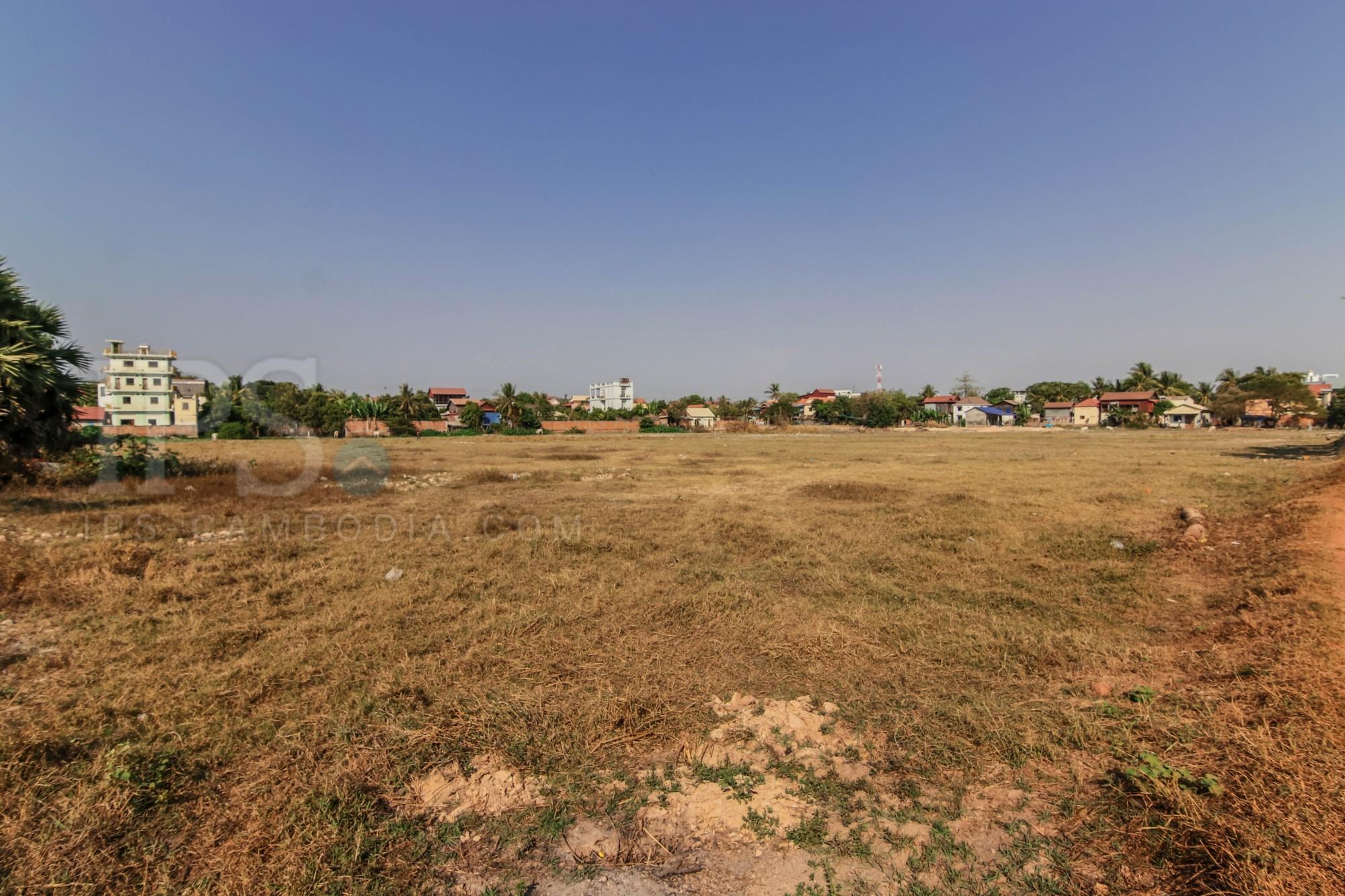32,118 sq.m. Commercial Land For Sale - Wat Damnak, Siem Reap