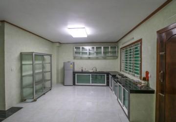 8 Bedroom House For Rent - Mittapheap, Sihanoukville thumbnail