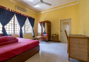 2 Bedroom Flat For Rent - BKK 3, Phnom Penh