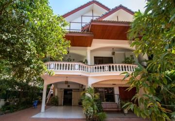 5 Bedroom Villa For Sale - Toul Kork, Phnom Penh