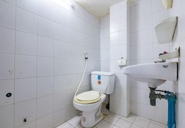 5 Bedrooms Flat For Rent - BKK1, Phnom Penh thumbnail