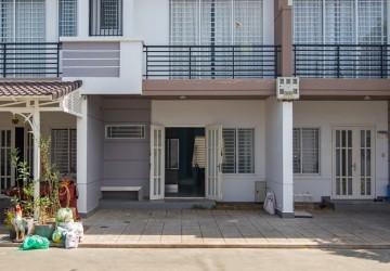 2 Bedrooms Villa For Sale - Chbar Ampov, Phnom Penh