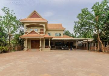 4 Bedroom Villa For Sale - Svay Dangkum, Siem Reap