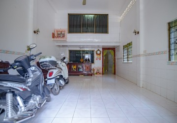 6 Bedrooms Building For Rent - BKK3, Phnom Penh